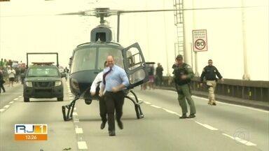 """Witzel usou 121 vezes helicóptero do governo em 2019, 39 a mais que ex-governador Pezão - Em nota, o governo do estado informou que os voos foram """"exclusivamente por necessidade de serviço e para cumprir a tempo agendas oficiais""""."""