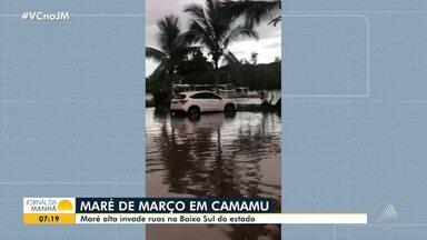 Avanço da maré atinge cidades de Belmonte e Camamu - Combinação da chuva com lua cheia provoca fenômeno.