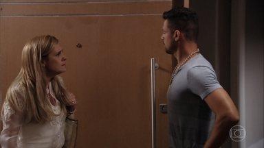 Carminha afirma que Nina quer acabar com ela - Jorginho diz que Carminha vivia uma vida de mentira