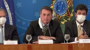 Bolsonaro muda o tom ao tratar da pandemia do novo coronavírus - O presidente falou em dias difíceis pela frente e da importância de medidas de prevenção. Em alguns momentos, no entanto, tentou defender atitudes que vêm sendo muito criticadas.
