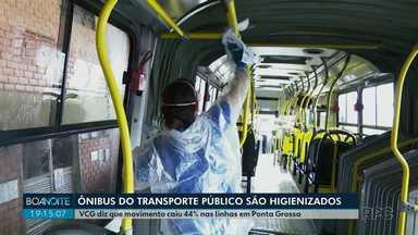 Ônibus do transporte público passam por higienização em Ponta Grossa - VCG diz que movimento caiu 44% nas linhas da cidade.