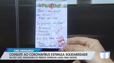 Bilhetes solidários ajudam pessoas do grupo de risco da Covid-19 - Em São José, moradores de prédios oferecem ajuda para idosos