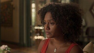 Rita e Camila têm conversa emocionante - Camila pede que a mãe biológica lhe conte sobre seu pai e diz que contará a história deles para seu filho