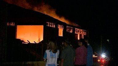 Incêndio atinge principal indústria de Mato Leitão - O fogo assustou funcionários e moradores da cidade.