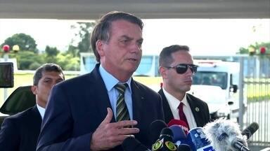 Bolsonaro recua da MP que permitia suspender salários por até quatro meses - Na noite desta segunda-feira (23), o governo publicou uma nova medida provisória que retira esse trecho.