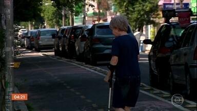 Decreto da prefeitura de Porto Alegre autoriza multar idosos que estiverem na rua - A prefeitura pode multar em até R$ 417 os idosos que estiverem nas ruas sem necessidade.