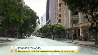 Coronavírus: Fechamento de comércio e serviços não essenciais no Rio começa nesta terça - Desde o primeiro minuto desta terça-feira (24), o comércio na cidade foi fechado por determinação da prefeitura.