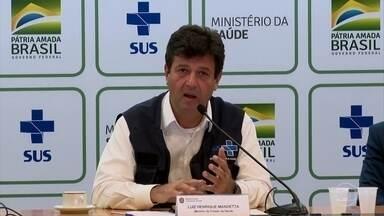 Pronunciamento do ministro da Saúde evita atrito com fala de Bolsonaro - Mandetta não desautorizou medidas adotadas por governadores e prefeitos, mas evitou entrar em atrito com a fala do presidente. Ele pediu calma para decretar o isolamento social.