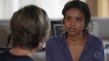 Helena descobre que Úrsula voltou ser dependente de medicação - undefined