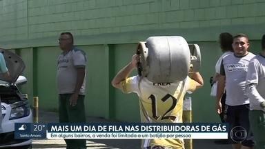 Petrobras afirma que não há risco de desabastecimento de gás em SP - Em alguns bairros a venda foi limitada a um botijão por pessoa.