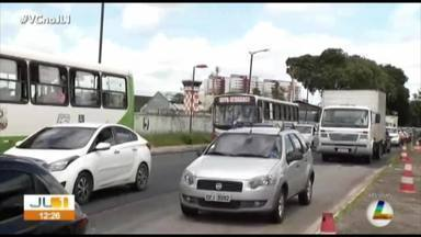 Pavimentação na avenida Senador Lemos provoca longo congestionamento em Belém - Pavimentação na avenida Senador Lemos provoca longo congestionamento em Belém