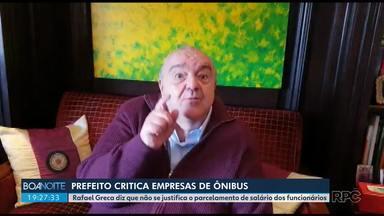 Prefeito de Curitiba critica empresas do transporte por parcelarem salário de funcionários - Rafael Greca diz que não se justifica o parcelamento de salários.