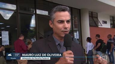 Receita Federal registra movimento grande na sede de Belo Horizonte - Órgão afirmou que não vai mais considerar o CPF irregular de quem está com problemas na justiça eleitoral