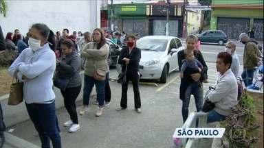 Circulação de pessoas em várias cidades brasileiras vem aumentando - Em São Paulo, a prefeitura baixou um decreto recomendando horários alternativos para os serviço essenciais. No Rio de Janeiro, o disque aglomeração registrou 2,9 mil denúncias em duas semanas.