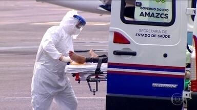 Coronavírus: macas de ambulâncias são usadas como leitos em hospitais de Manaus - O avanço da pandemia no Amazonas e o aumento rápido do número de casos sobrecarregou os serviços de saúde. Quase 90% dos leitos de UTI da rede pública estão ocupados.
