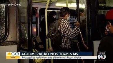 Goianos denunciam aglomerações no transporte coletivo - Mesmo com todas as recomendações para evitação de contato, nos ônibus cumprir essa medida tem sido mais difícil.