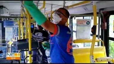 Empresas de ônibus reforçam higienização durante pandemia - Os cuidados estão sendo redobrados por causa do avanço da contaminação pelo novo coronavírus.