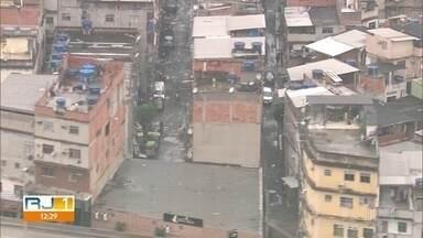 Moradores do Complexo da Maré se preocupam ao ver muita gente nas ruas - Comerciante da comunidade relata que está preocupado ao ver aglomerações na região.
