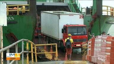 Número de viagens via Ferryboats é reduzido em São Luís - Quem precisou viajar para a baixada maranhense pelo Terminal da Ponta da Espera, não conseguiu comprar a passagem. As passagens com antecedência, teve que esperar.