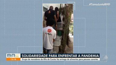 Moradores de Alto de Coutos se unem e doam alimentos para pessoas carentes - Objetivo da ação é ajudar ambulantes e autônomos que estão sem poder trabalhar por causa do coronavírus.