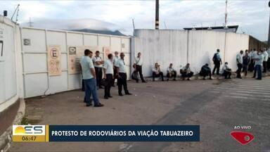 Vem Cá, Bom Dia: Rodoviários da Viação Tabuazeiro fazem protesto - Motorista dizem que não vão circular enquanto pagamento não for feito.
