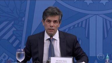 Ministro da Saúde fala sobre salto no número de mortes por coronavírus no Brasil - Nelson Teich disse que é preciso esperar os próximos dias para saber se há mesmo uma tendência de aumento da curva.