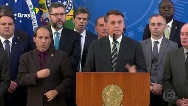 Bolsonaro disse estar decepcionado com Moro e que ele não tem compromisso com o Brasil - O presidente disse que as denúncias de Sergio Moro são infundadas, nega que tenha dado carta branca ao ex-ministro e que tenha querido saber sobre investigações e inquéritos em andamento.