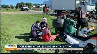 Motociclista bate em ciclista, fica ferido e é socorrido pelo Samu - Acidente na Capital.