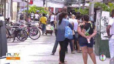 Veja a íntegra do RJ1 desta segunda-feira, 27 de abril de 2020 - Apresentado por Ana Paula Mendes, o telejornal da hora do almoço traz as principais notícias das cidades da Região dos Lagos, Região Serrana e Norte Fluminense.
