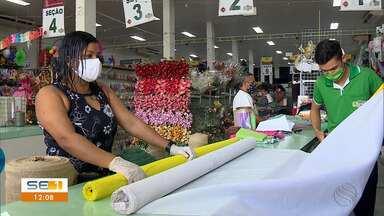Cresce a procura por materiais para confecção de máscaras - Cresce a procura por materiais para confecção de máscaras.