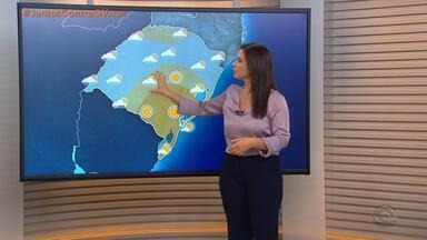 Quinta-feira tem queda nas temperaturas e pancadas isoladas na faixa Central do RS - Região Sul tem tempo firme.