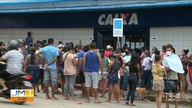 Agências da Caixa e lotéricas estão cheias em São Luís - Muita gente está em busca do pagamento do auxílio emergencial.