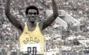 Em 1980, João do Pulo salta para ouro, mas fica com bronze - Reportagem relembra polêmica final do salto triplo em Moscou, competição que o atleta brasileiro terminou com um controverso terceiro lugar.