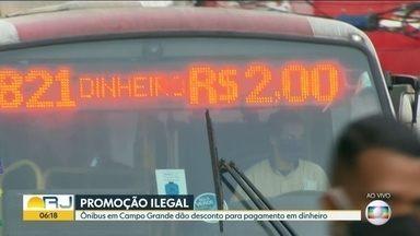 Empresas de ônibus oferecem descontos na passagem durante pandemia do coronavírus - Desconto só vale para quem paga em dinheiro , 2 reais. Muita fila nas agências da caixa econômica gerando aglomeração . Fila sem espaçamento