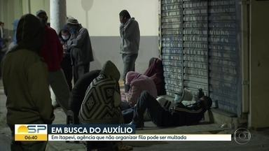 Moradores passam a noite em fila da Caixa - Em Itapevi, agência que não organizar fila será multada.