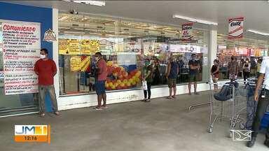 Supermercados ficam cheios após anúncio de lockdown em São Luís - O repórter Adailton Borba tem mais informações.