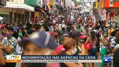 Santarenos continuam formando enormes filas em frente as agências da Caixa - Pessoas têm ido atrás do Auxílio Emergencial, dado pelo Governo Federal.