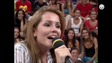 Deborah Secco relembra momento que foi surpreendida por sua mãe no Altas Horas - Confira!