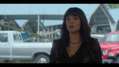 O Conto da Rainha do Mar Caído - Acreditando que resolver o assassinato de Lucy levará à resolução da morte de Tiffany, o time Drew decide falar com a única testemunha ocular dos dois crimes: a própria Lucy morta.