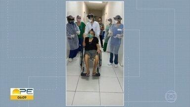 Idosa com Covid-19 tem alta ao som do forró - Mulher, de 84 anos, ficou 36 dias internada.