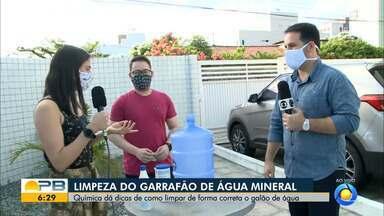 Especialista explica como fazer a limpeza adequada do garrafão de água mineral - Confira os detalhes com o repórter Plínio Almeida.