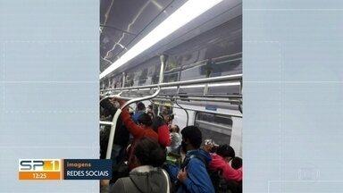 Com a volta do rodízio, passageiros encontram trens cheios no começo da manhã - No meio da manhã, a situação já estava normal na CPTM e nos ônibus.