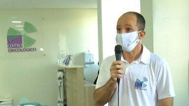 Centro Oncológico de Mogi faz campanha para arrecadar máscaras - Máscaras serão doadas a paciente e acompanhantes.