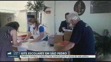Prefeitura de São Pedro distribui kit de material escolar a partir desta terça-feira - Entrega vai acontecer nas escolas onde os estudantes estão matriculados.