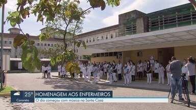 Enfermeiros recebem homenagem com música em hospital de Santos - Dia dos Enfermeiros começou com música na Santa Casa.