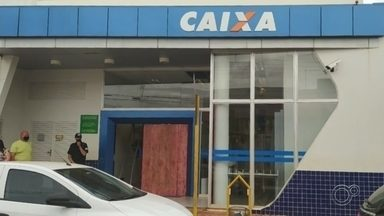 Agência bancária volta a atender em Taquarituba após explosão de caixa eletrônico - A agência da Caixa Econômica Federal em Taquarituba (SP) voltou a atender nesta quarta-feira (13).