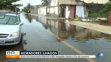 Ruas do Loteamento Marisol, na Praia do Flamengo, estão alagadas desde o fim de semana - Chuva atingiu diversos pontos da capital baiana nesta quarta-feira (13).