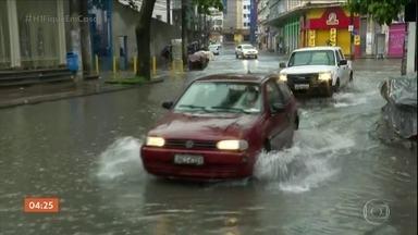 Chuva provoca alagamentos e deslizamentos de terra na BA - Diversos pontos de alagamentos foram registrados, além de deslizamentos de terra e desabamentos. Chuva complica a vida dos moradores de Salvador e da região metropolitana.
