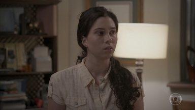 Débora desconfia de que Cassandra roubou uma substância tóxica - Zé Pedro repara que Jonatas não está bem. Cassandra fica de olho no rapaz