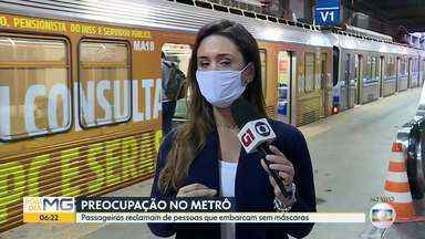 Segurança é preocupação no metrô - Passageiros reclamam de pessoas que embarcam sem máscara.